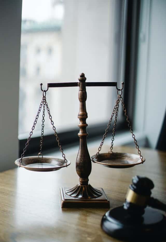 מהו ההבדל בין לשון הרע לתביעת דיבה בהלכה